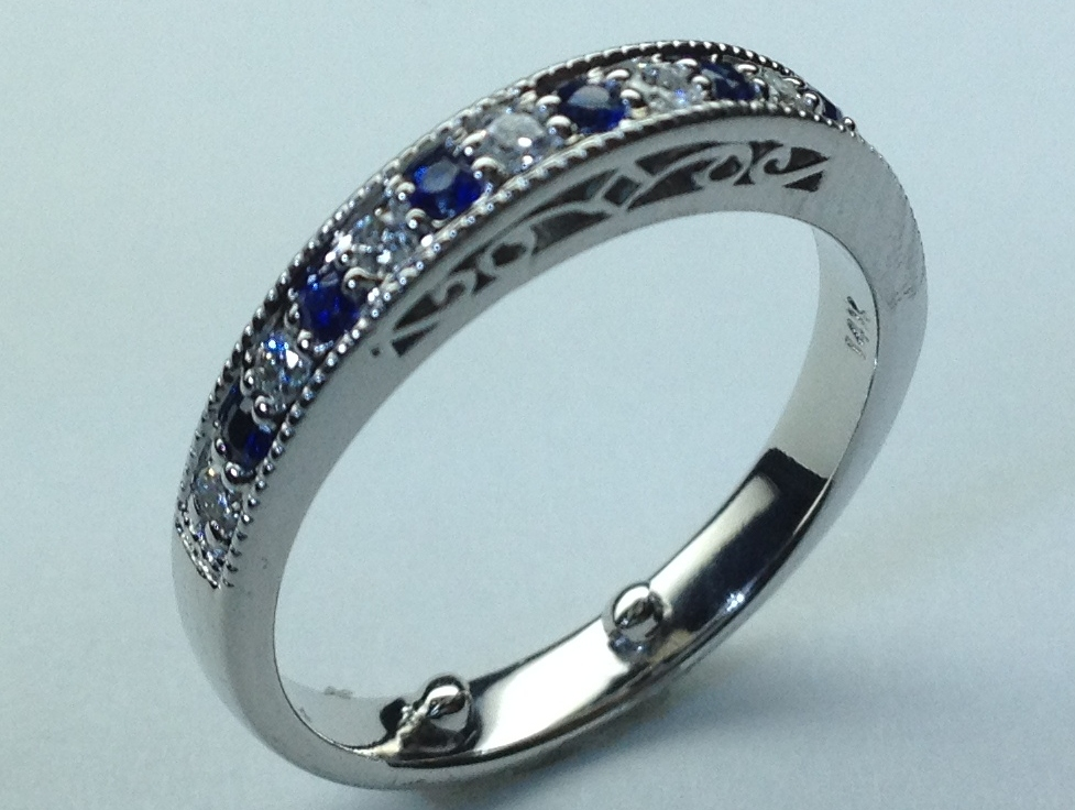 Art Deco Wedding Band with Blue Sapphire & Diamonds